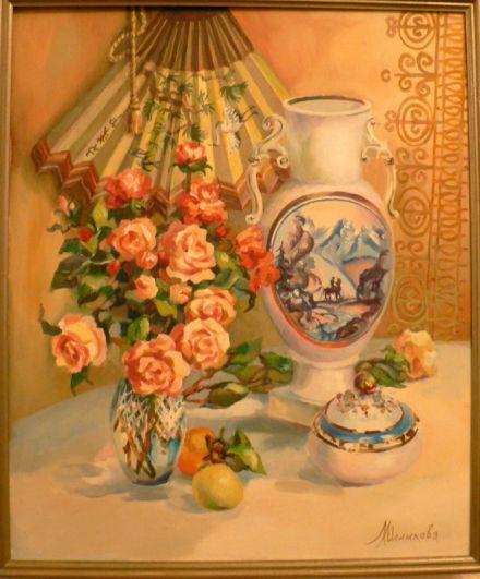 Людмила МЕЛИХОВА в юности окончила художественное училище им. В. И. Сурикова, много лет работала оформителем и преподавателем