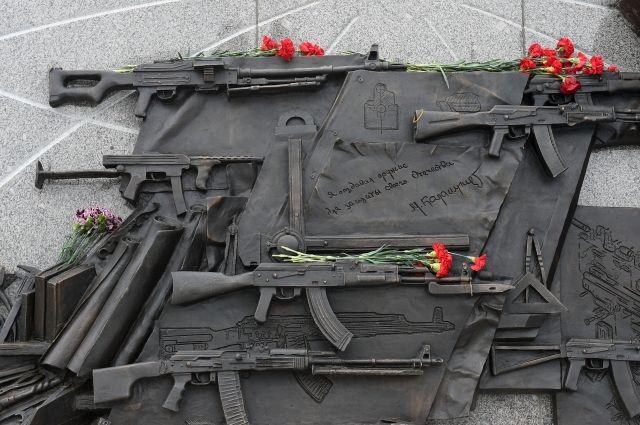 Щербаков готов исправить памятник Калашникову, если будет доказана ошибка