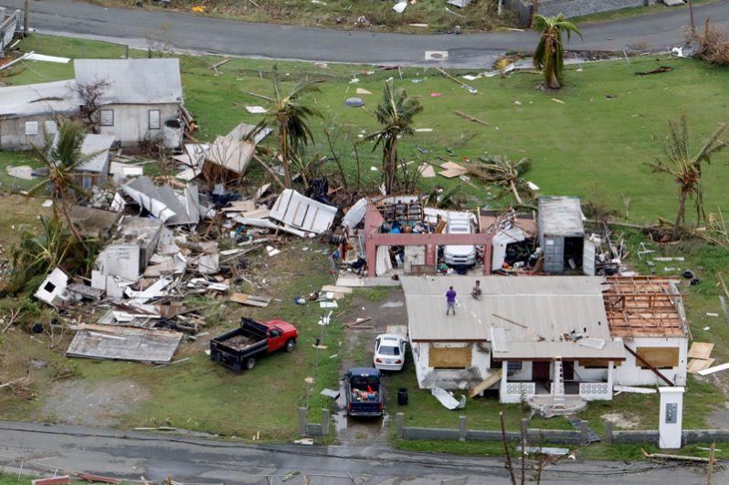 Разрушенные дома в Санта-Крус, Американские Виргинские острова.
