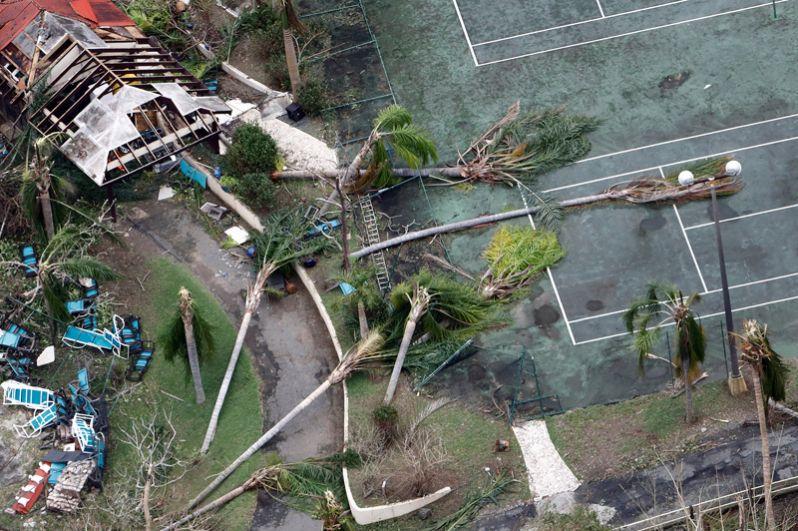 Теннисный корт на острове Санта-Крус, Американские Виргинские острова.