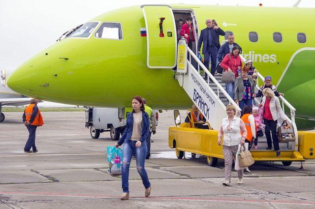 Произошел скандал наборту самолета, летевшего изСанкт-Петербурга вБрянск