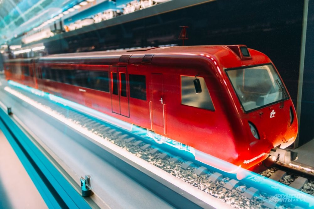 Электропоезд ЭД, выпускавшийся в России с 90-х до 2016 года.