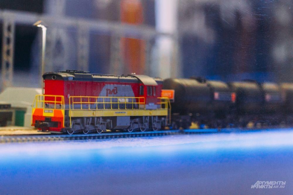Грузовые поезда.