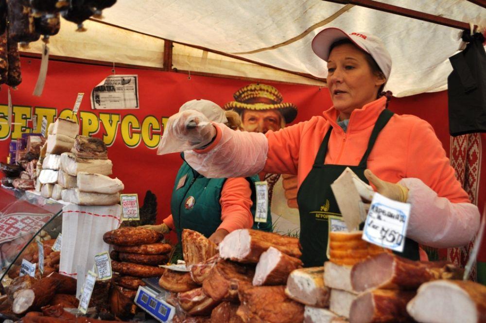 Белорусской продукции на ярмарке, пожалуй, больше, чем в самой Белоруссии