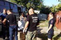 Сотрудники СК и полиции на месте убийства Сони Четвертновой в Калаче-на-Дону.