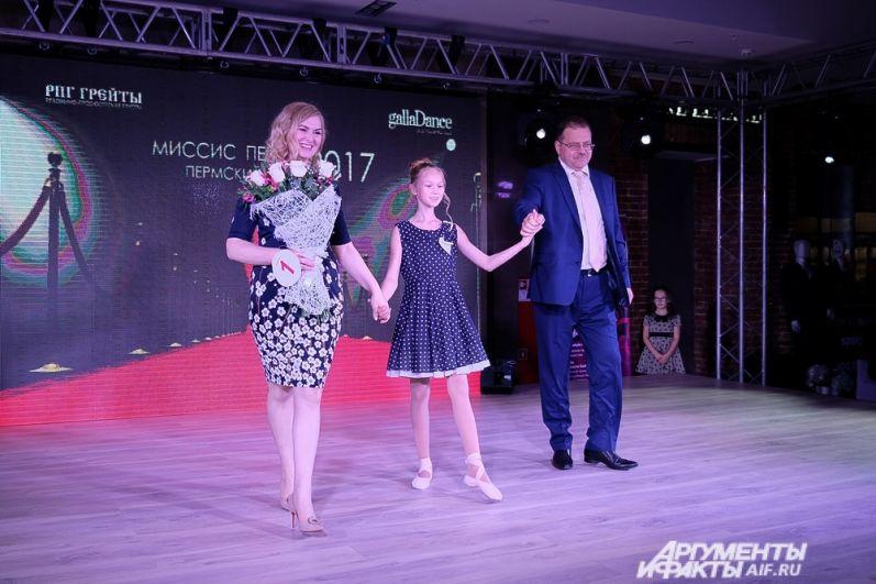 Конкурсантка под номером 1 Светлана Бабашова.