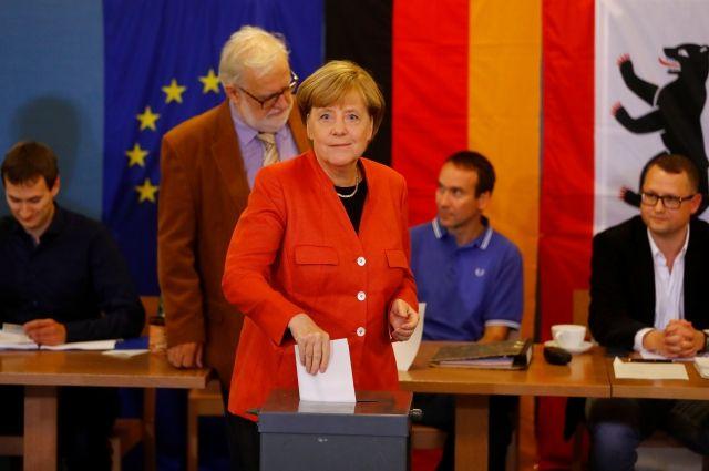 Президент и канцлер ФРГ проголосовали на выборах в бундестаг