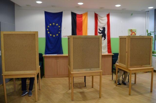 Экзит-поллы отдают лидерство на выборах в бундестаг союзу ХДС/ХСС