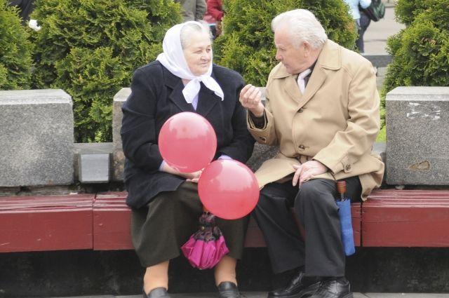 Тюменцы соберут подарки для одиноких пожилых людей