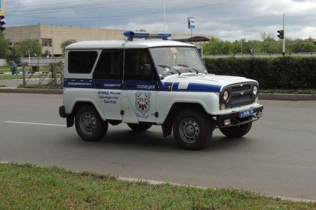 В обстоятельствах ДТП разбирается полиция.