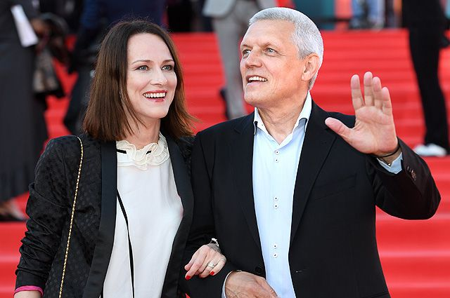 Актер, режиссер Александр Галибин и его супруга, актриса Ирина Савицкова.