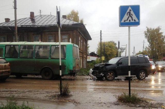 ВКудымкаре произошла авария савтобусом