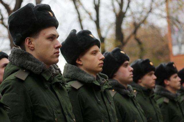 Восенний призыв 2700 призывников отправятся наслужбу изПетербурга