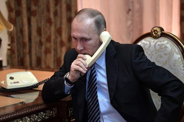 Путин поздравил Меркель с успехом на выборах