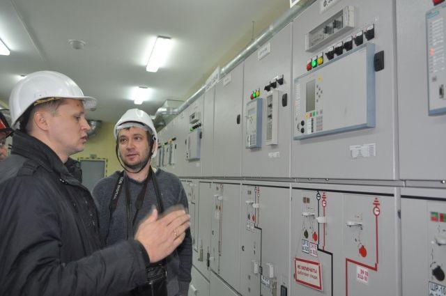 Оимич с экскурсией побывали на подстанции «Прибрежная».
