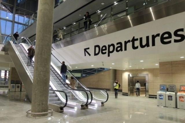 УФАС призвало Пулково разобраться спарковкой уаэропорта