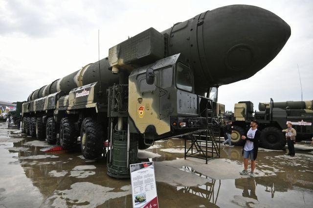 В России провели испытания баллистической ракеты «Тополь»