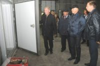 Виктор Назаров проинспектировал модернизированные помещения Крутинского рыбзавода.
