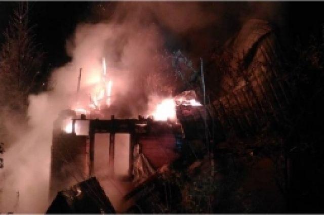 ВСНТ «Огонёк» Калининского района сгорел дом