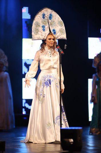 Участники удивляли жюри необычными костюмами и оригинальными творческими номерами.
