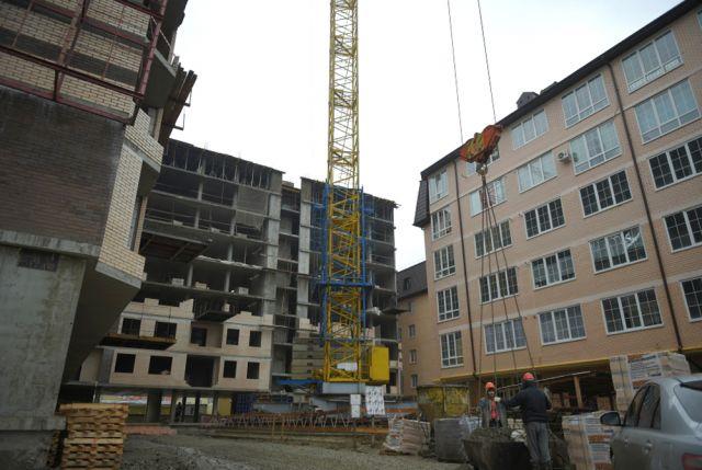 Нового жилья сейчас стали строить меньше.