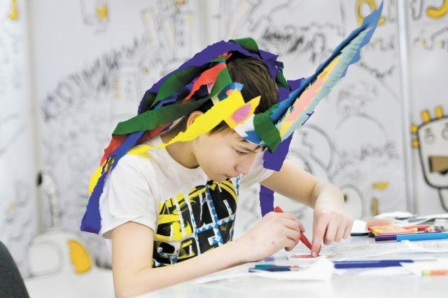 Родители, выбравшие семейное образование, считают, что при такой форме у детей нет стрессов и проблем с мотивацией, которые возможны при обучении в школе.