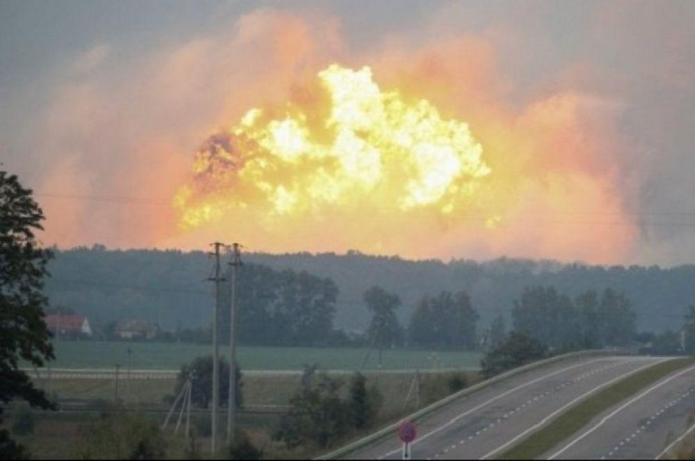 По меньшей мере два человека пострадали в результате взрывов на складе боеприпасов в Винницкой области.