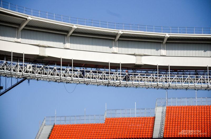 При возведении стадиона использовалось 90% отечественных стройматериалов.