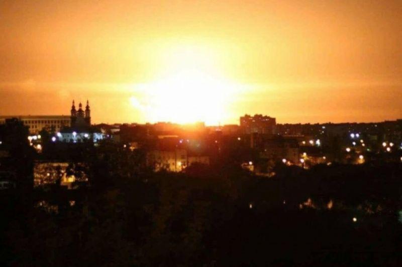 По состоянию на утро 27 сентября интенсивность огня на складах в Калиновке снизилась.