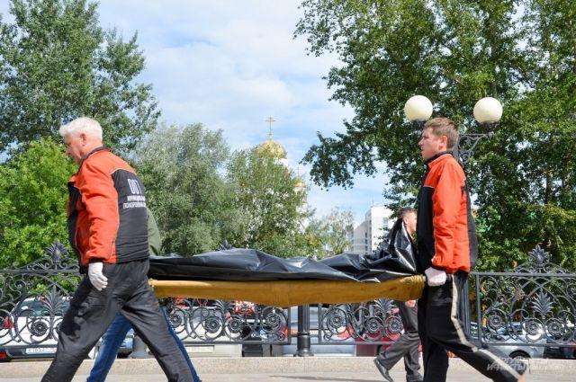 Вмногоэтажке наулице Заводской обнаружили труп 26-летней девушки