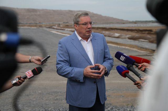 Указа президента об отставке Толоконского и назначении исполняющего обязанности губернатора Красноярского края пока нет.