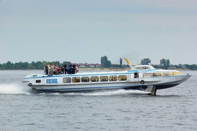 От центра города до Заканалья такое судно «пролетало» по воде за полчаса.