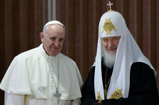 Александр Лукашенко предложил организовать встречу патриарха Кирилла ипапы римского
