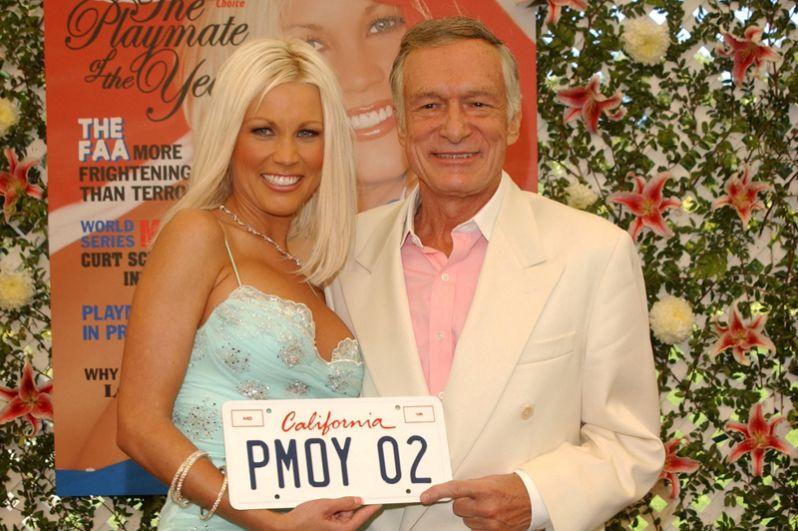 Хью Хефнер и «подружка Playboy» 2002 года Далин Кёртис.