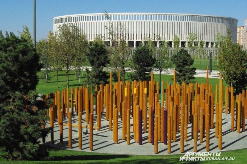 Эти деревянные конструкции - зона развлечений.