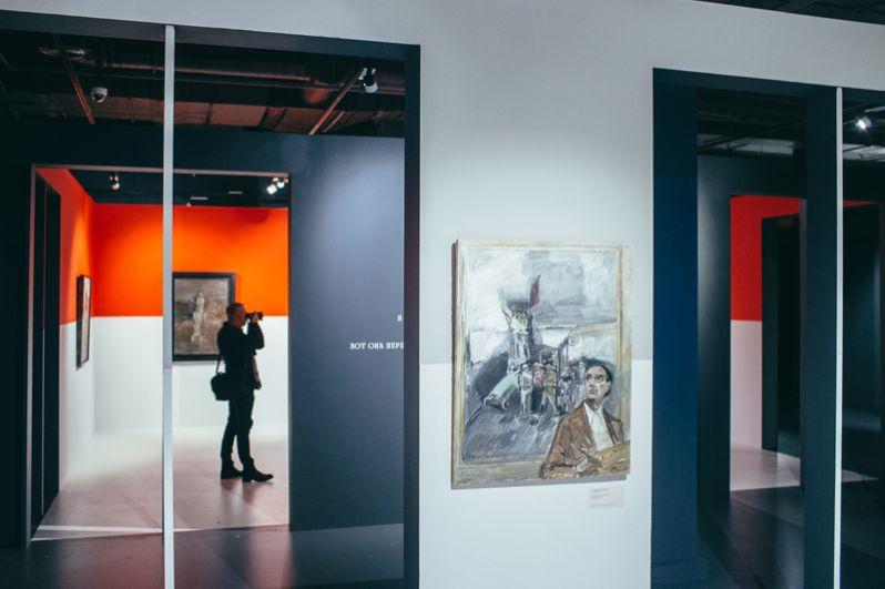 «Матрос», «У стен Кремля», «Ночью в октябре», «Утро после боя» – эти и другие шедевры из коллекций Третьяковской галереи, Русского музея, Пушкинского музея и Лабас-Фонда будут представлены в музее до 10 декабря.
