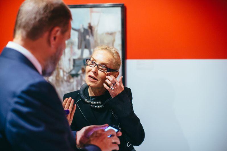 Ольга Свиблова, директор Мультимедиа Арт Музея: «Впечатления от выставки — она гениальная. Для меня эти работы Лабаса — открытие, при том что я его знаю и люблю. Серию «Октябрь», я не боюсь признать, в таком объеме и развороте я никогда не видела. Это просто счастье».