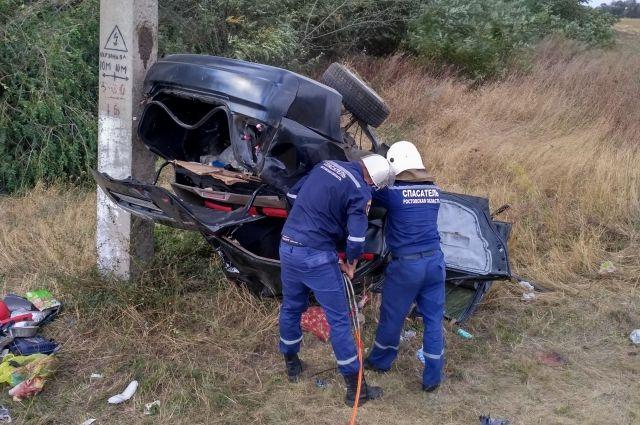 Песчанокопская авария: в итоге столкновения иномарки состолбом пострадал пассажир машины