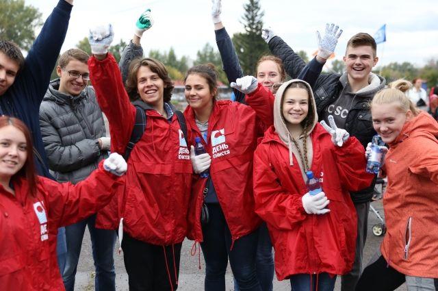 Волонтёры собрали 3 тонны мусора, это 3 загруженных КамАЗа или 342 мешка.