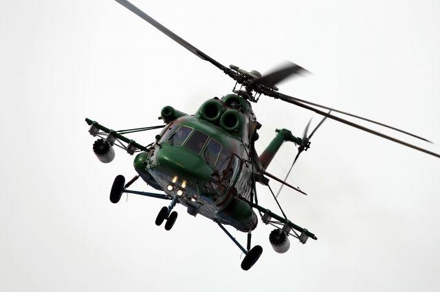 Иностранец работал командиром вертолёта.