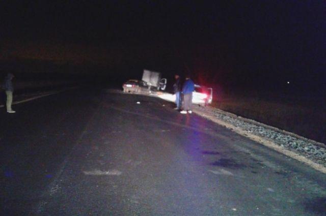 В Соль-Илецком округе в ДТП с «ГАЗом» погиб водитель «ВАЗа».