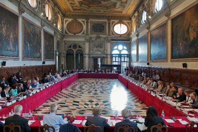 Украина отправила уже вступивший всилу Закон обобразовании вВенецианскую комиссию