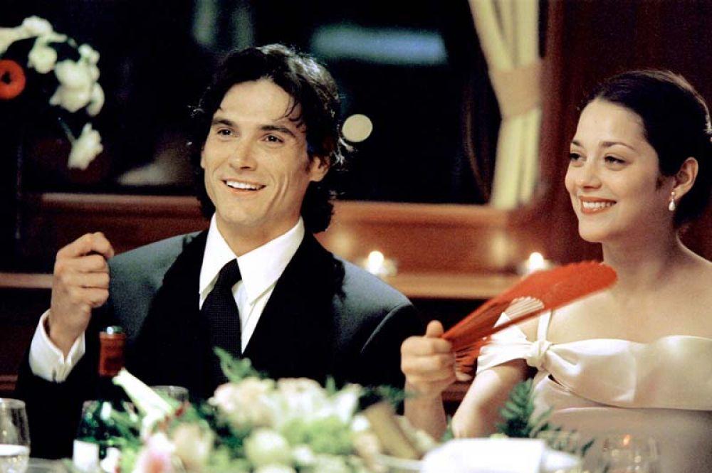 В 2003 году снялась в своём первом иностранном фильме, сыграв роль Жозефины, беременной невестки главного героя фантастической трагикомедии режиссёра Тима Бертона «Крупная рыба».