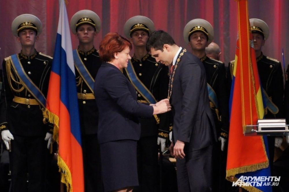 Антон Алиханов и председатель облдумы Марина Оргеева.