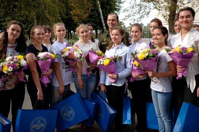 ВКраснодаре 16 девушек-летчиц приняли военную присягу