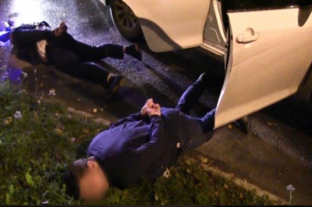 ВРостовской области двое мужчин напали натаксиста ипохитили его машину