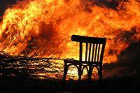 В Тюмени произошел пожар на Ямской: пострадавшую увезли в больницу