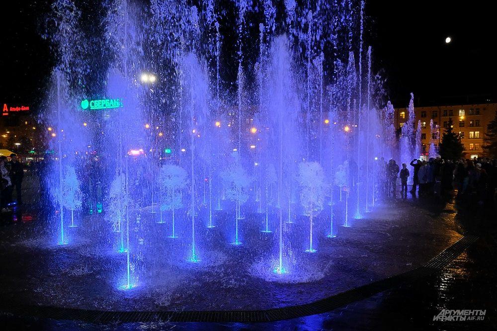 Завершается сезон работы уличных фонтанов в связи с приходом холодов.