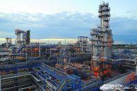 Модернизацией нефтезавода в Омске успешно занимаются в условиях процессинга.