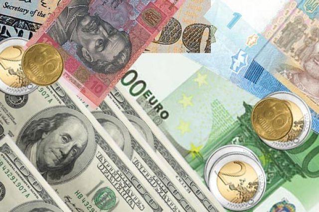 Руб.  настарте торгов уступил доллару, однако  одержал победу  уевро